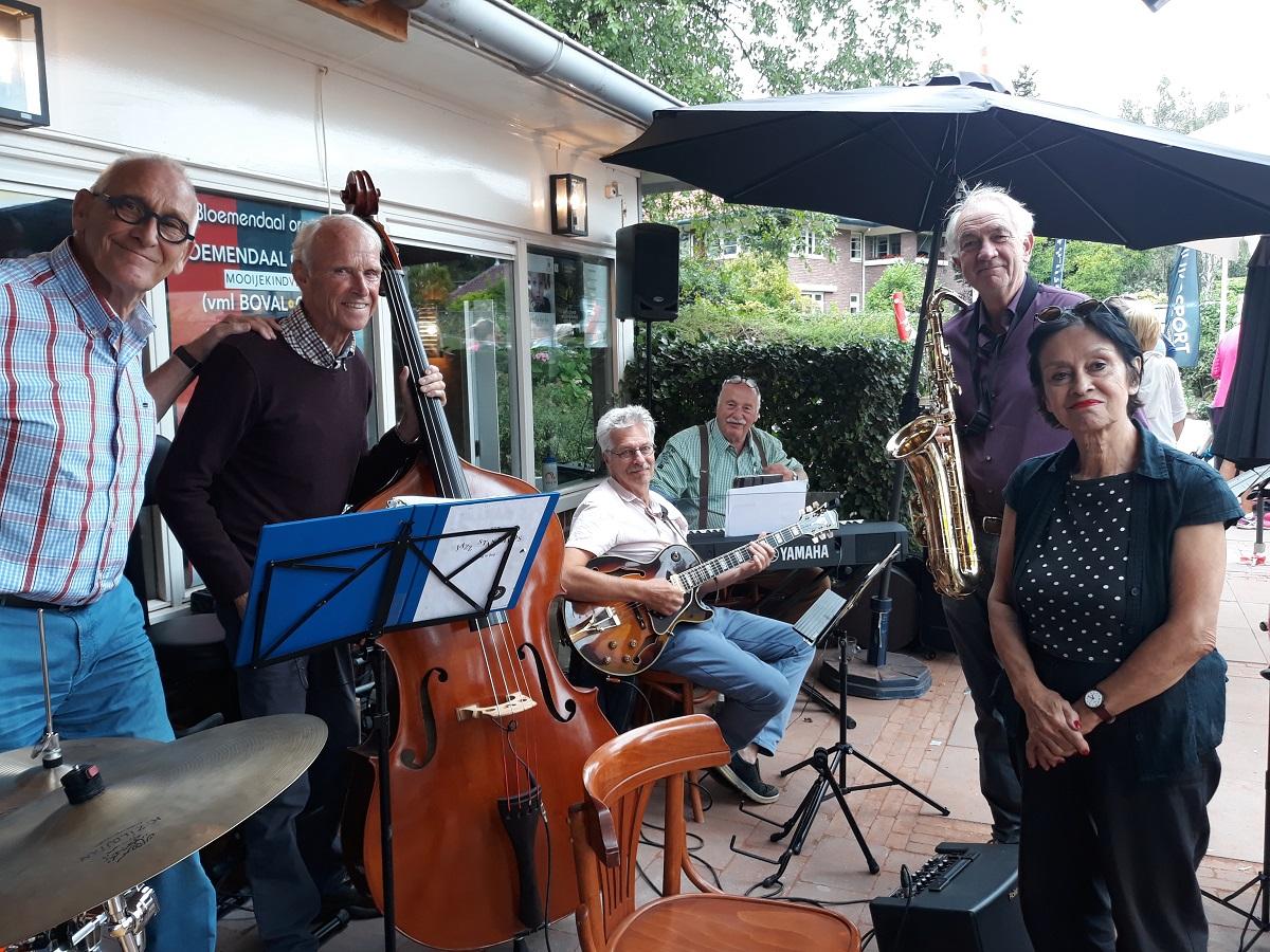 Bandleden Jazz goes on op tennistournooi L.T.C. Bloemendaal